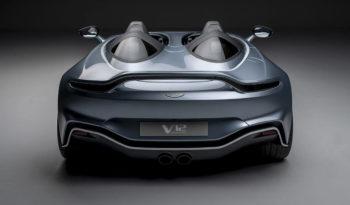 アストンマーティン V12 スピードスター full