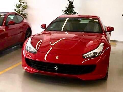 フェラーリ GTC4 ルッソ【新車】 full